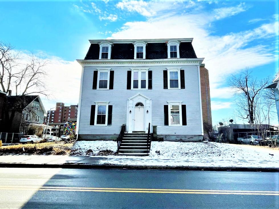 Barton Sober House │ Sober Living for Men in Worcester, Massachusetts