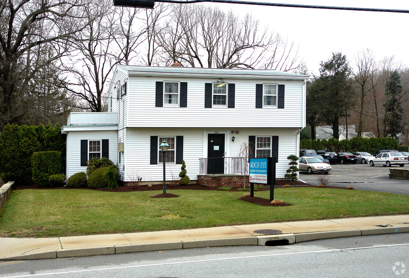 Kayaly Sober House │ Level 2 │ Sober Living for Women in Warwick, Rhode Island